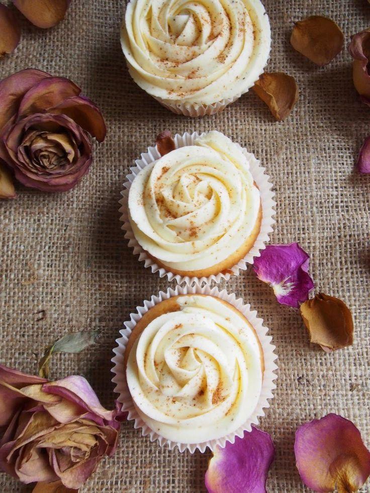 Dr. Sugar: Snickerdoodle Cupcakes - Kaneliset vuokaleivokset