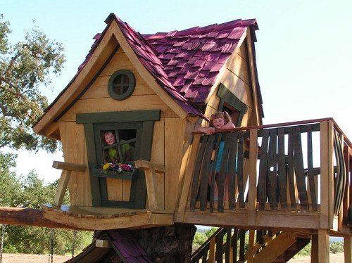Deluxe Storybook Tree House