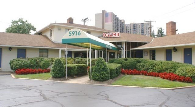 Budget Host Alexandria - 1 Star #Motels - $76 - #Hotels #UnitedStatesofAmerica #Alexandria http://www.justigo.uk/hotels/united-states-of-america/alexandria/5916-richmond-alexandria_110856.html