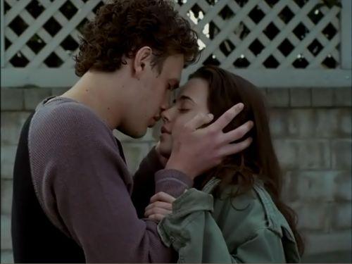 Freaks and geeks kiss