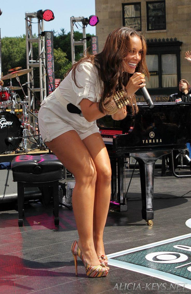 Alicia Keys has the best legs | Cur | Pinterest | Legs ...