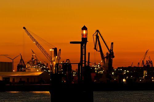 Abendstimmung / Sonnenuntergang im Hafen von Hamburg