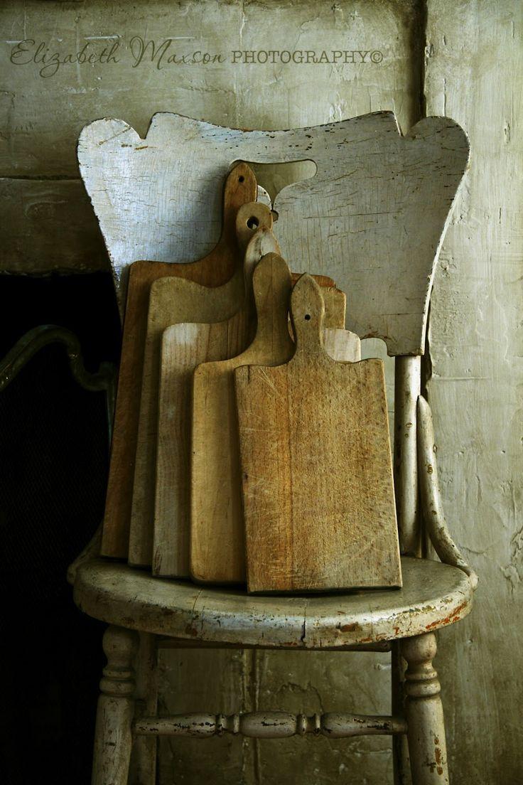 Colonial/Primitive Wooden Accessories.