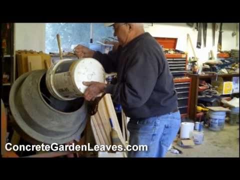Fare una foglia in cemento... non serve a nulla e in gesso sarebbe più semplice... ma vuoi mettere ;)