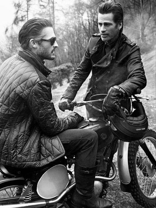 Motorcycle fashion that doesn't make people look like rednecks! (Be honest with yourself, its true when it comes to hogs.)