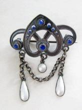 antique sølje pin with blue stones