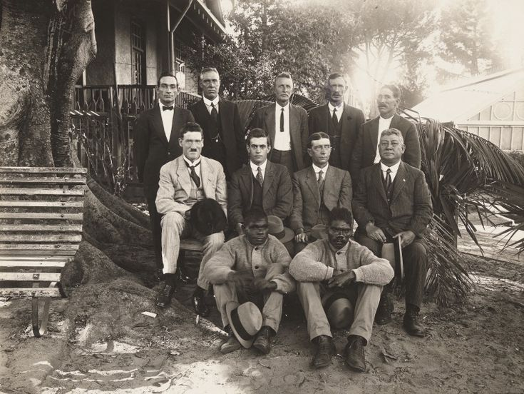 BA767/2: Members of the Locke Oil Expedition, 1922 http://encore.slwa.wa.gov.au/iii/encore/record/C__Rb1967441?lang=eng