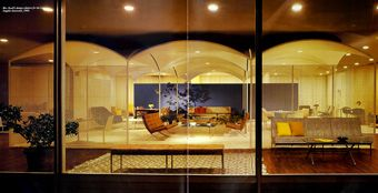Knoll opens its first Los Angeles showroom in 1960. Florence's design features gracefully arching ceilings and airy, perforated space-defining panels.