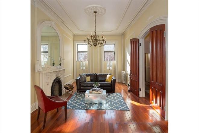 Best 25 parlor room ideas on pinterest small sitting - Brooklyn apartment interior design ...
