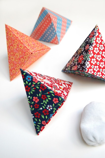 Just love these origami boxes that will make all your gifts, even a tiny gift, seem impressive. Beautiful, useful and believe it or not - very simple to make.