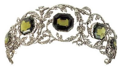 Peridot tiara of the Archduchess Isabella of Austria, part of the parure dating to the 1820s, originally made for the Archduchess Henriette,  wife of Archduke Karl of Tuscany.