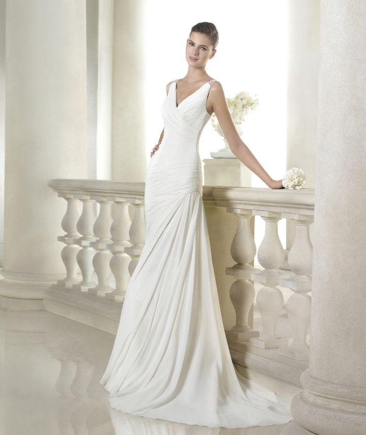 Ruching never goes out of style. San Patrick 2015 Bridal Collection