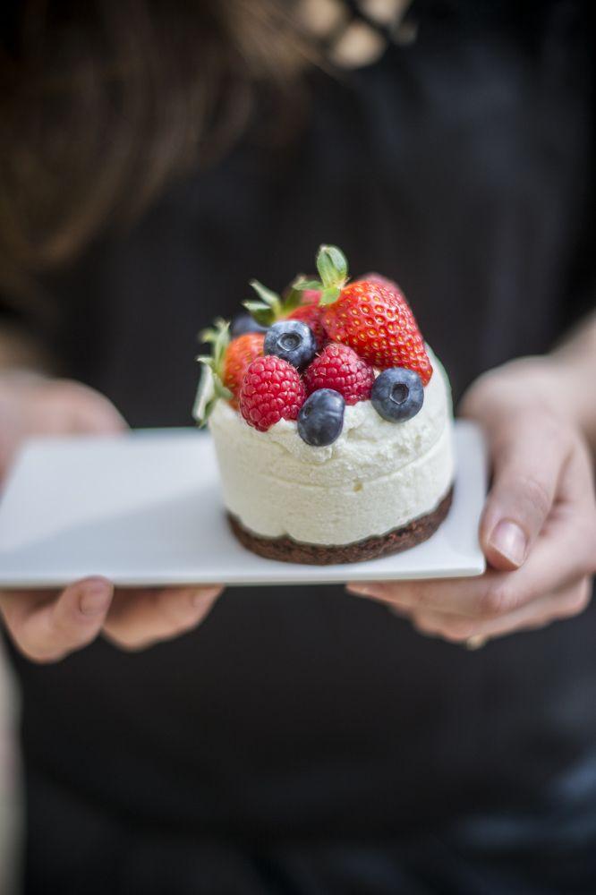 Budapest legjobb terasza! Gyere sütizz nálunk! Rendelj tortát, kóstold meg legfrissebb finomságainkat. www.asztalka.com