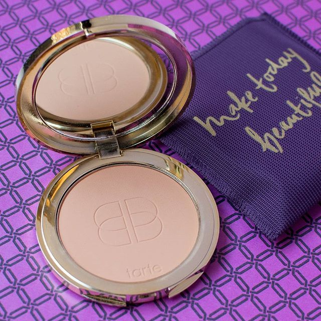 hydrated yet matte complexion, confidence creamy powder foundation! Medium to full coverage with anti aging and vegan formula:)