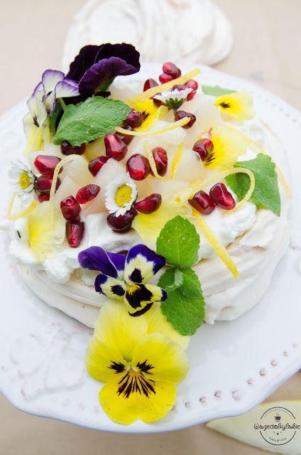 Wszędobylskie: Wiosenny torcik bezowy z cytrynową nutką.