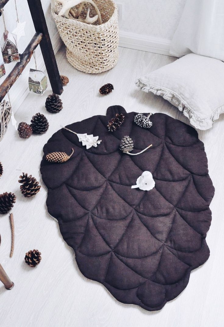 Handmade Pinecone Linen Baby Playmat | LaPetitePersonneShop on Etsy #nurserydecor