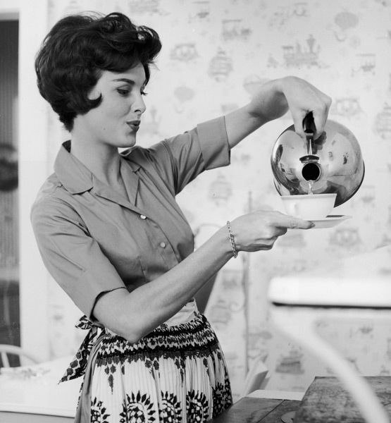 how to be a domestic goddess! Tons of fabulous tricks for the house!