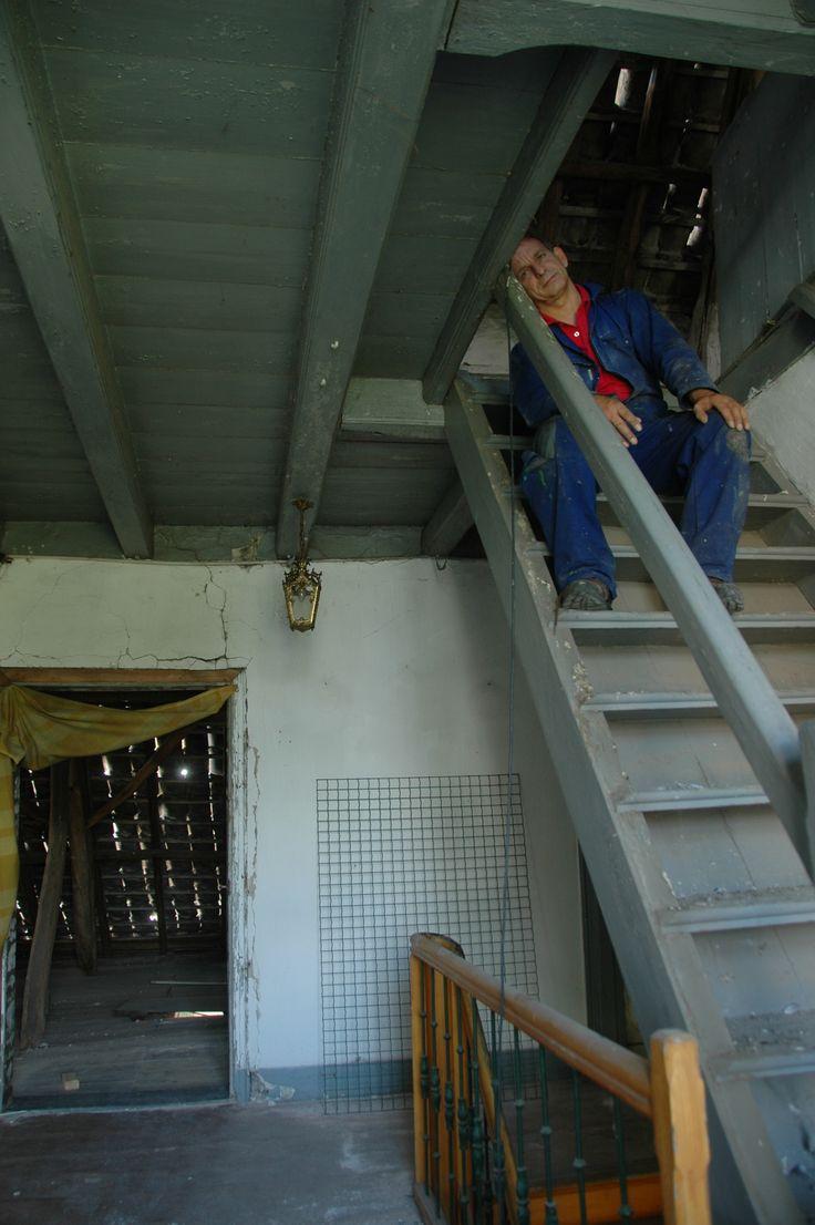 Op de trap naar de zolder.