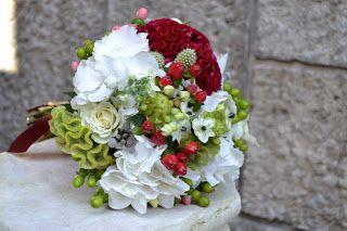 Anamaria Grama - design floral: Buchete mireasa, nasa, cununie civila.