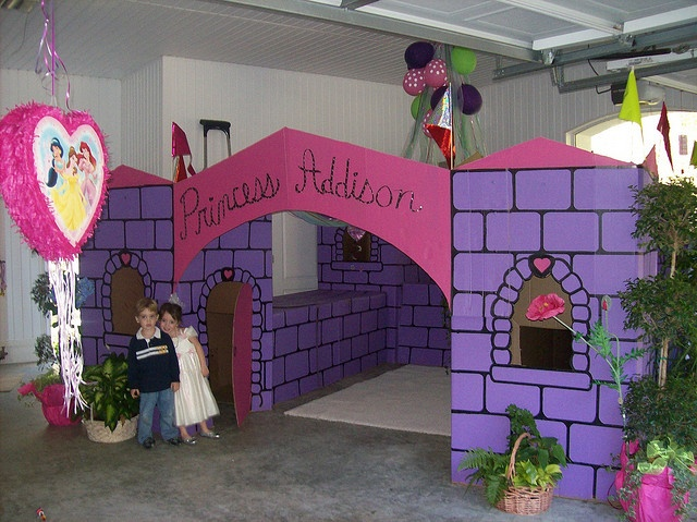 Cardboard box castle-my kiddos would love this!