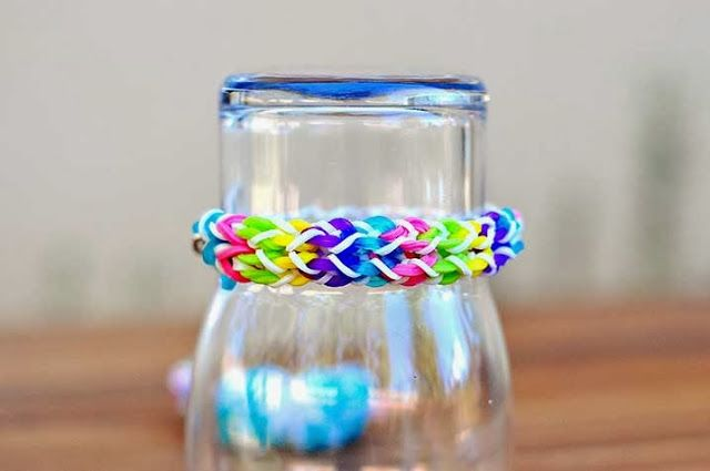 The Cheese Thief: New Rainbow Loom Pattern Tutorial: Inverted Fishtail and Double Inverted Fishtail Bracelet