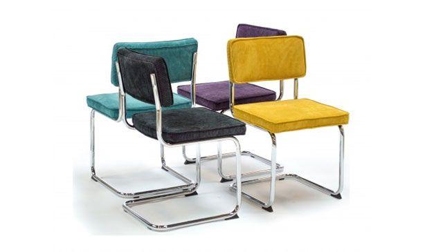 De ribcorduroy beklede stoeltjes in verschillende kleuren. Gezien bij Trendhopper. En te bestellen via