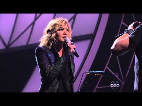Matt Nathanson and Sugarland singing Run at the CMAs this year.