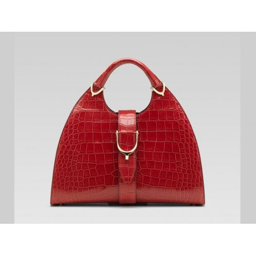 Gucci Stirrup Bag, as seen on Diane's arm in The Good Wife. *drool*: Fashion Places, Gucci Shoes, Design Handbags, Burberry Handbags, Louis Vuitton Handbags, Gucci Handbags, Handles Bags, Gucci Bagshandbag, Gucci While