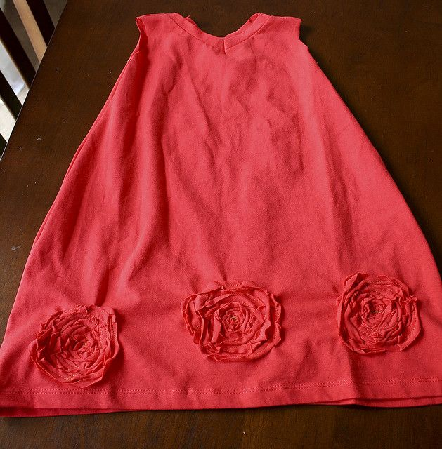Turn a tshirt into a dress.   By ohsohappytogether, via Flickr.  Turtorial for dress, matching accessories, too.  Adorable!
