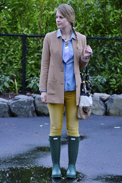 Oxford Shirt White Tank Skinny Jean Trench And Hunters