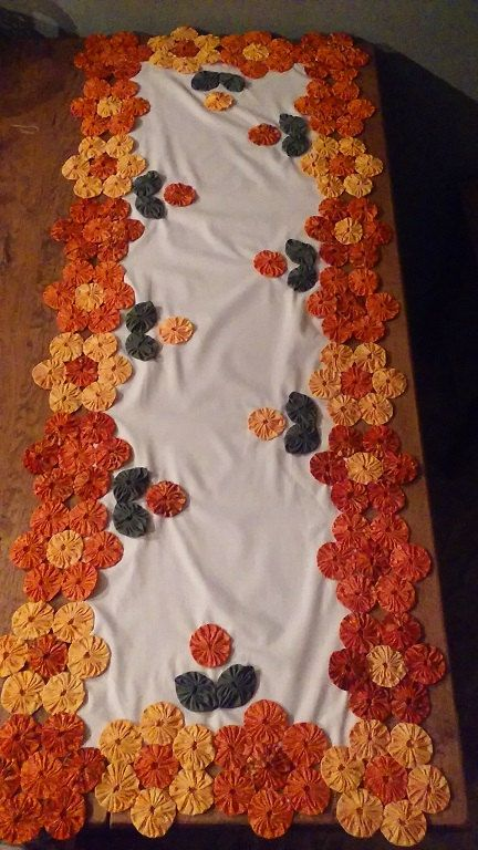 Yo yo table runner fabric quilt dresser scarf primitive farmhouse rustic log cabin fire place mantle yoyo folk art by YoYosByRobin on Etsy