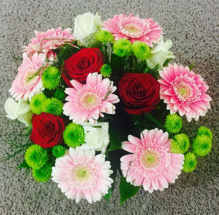 Roses, Chrysanthemum & Gerbera combo