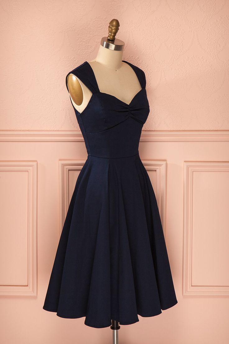 Robe bleu marine mi-longue plissée coupe rétro décolleté en coeur - Dark blue mid-length pleated sweetheart neckline retro dress