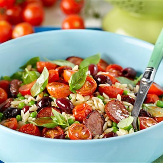 Mediterranean Chorizo and Risoni Salad with Roasted Tomatoes. Fantasitc #pasta #salad with spicy chorizo, tomatoes and Zoosh Dressing