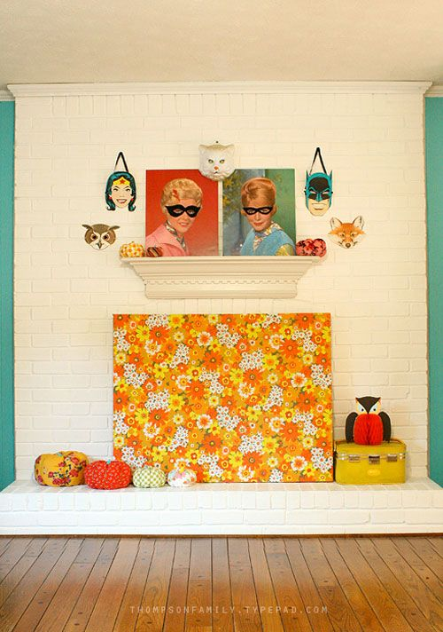 A fun and sort of bewitchy kitschy Halloween decor fireplace vignette from Danielle of the Thompson Family Life  blog.  Using some hair sa...