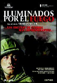 DVD CINE 1652-IV --  Iluminados por el fuego (2005) Argentina. Dir.: Tristán Bauer. Drama. Guerra de las Malvinas. Sinopse: narra os recordos de Esteban Leguizamón, un home de 40 anos que, en 1982, cando tiña só 18, foi levado como soldado recruta a combater ás Illas Malvinas. A partir do intento de suicidio dun dos seus ex compañeiros, Esteban mergúllase nos recordos desa guerra que compartiu con outros dous novos recrutas: Vargas, o suicida, e Juan, morto en combate.