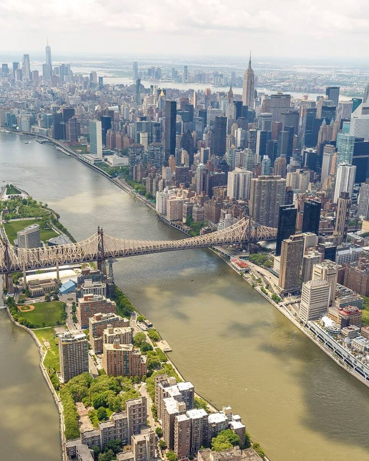 Roosevelt Island, East River, and Midtown East, Ma…