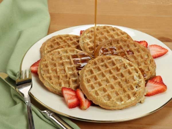 ... whole-wheat waffles (Nutri-Grain) ½ cup sliced strawberries 1 tsp