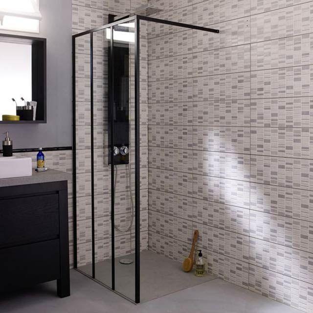 Love cette paroi de douche modulable au look industriel chez Castorama by Cooke & Lewis / 200€
