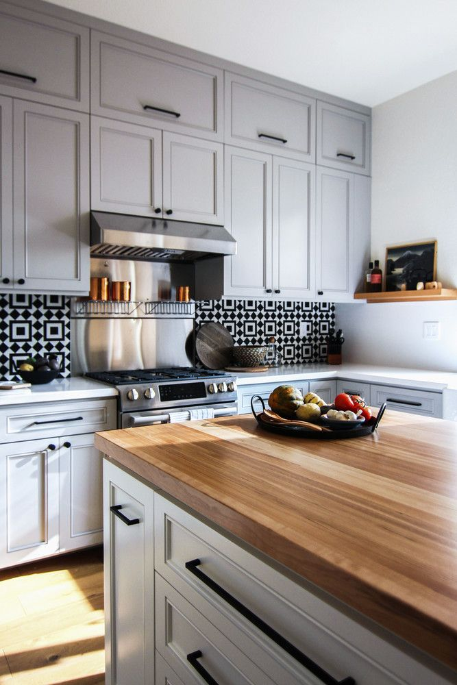 An Outdated '90s Kitchen Gets a Major, Modern Makeover