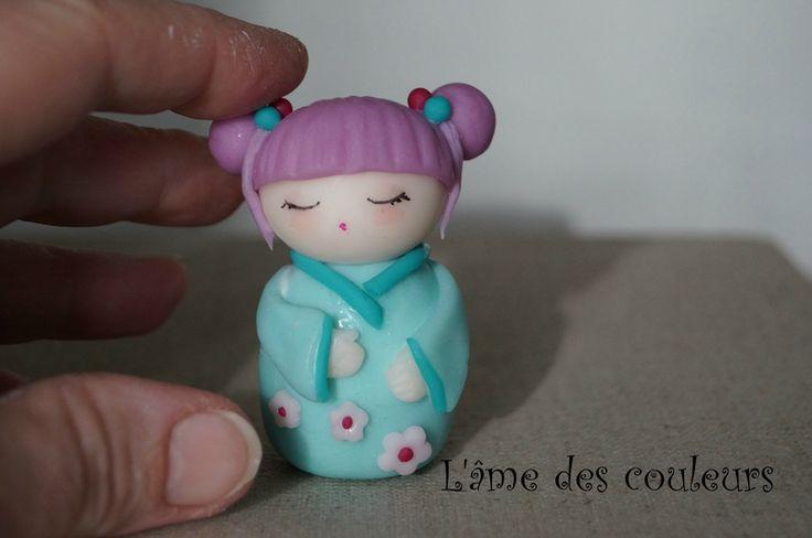 Petite poupée Kokeshi pour le prochain atelier en porcelaine froide
