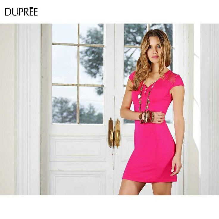 Cualquier día es ideal para lucir vestidos y colores vivos.