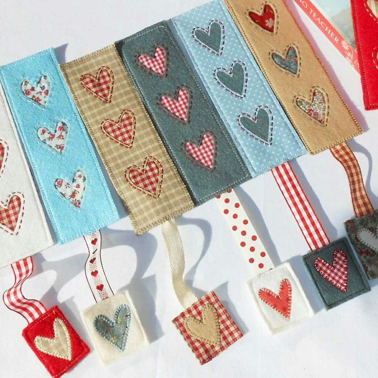 Share the love this February with a Country Heart bookmark.  Free Patchsmith pattern.