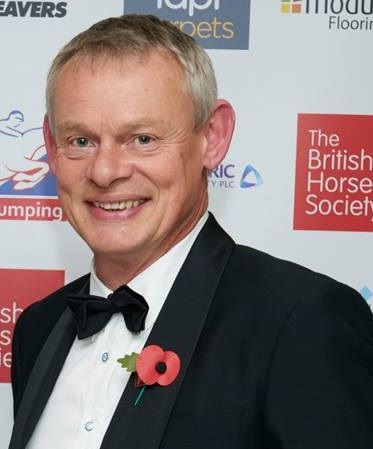 He's one good looking fella *SIGH* . Pic from 2015 Oct 29 - BHS President Martin Clunes, winner of the Animal Health Trust special award