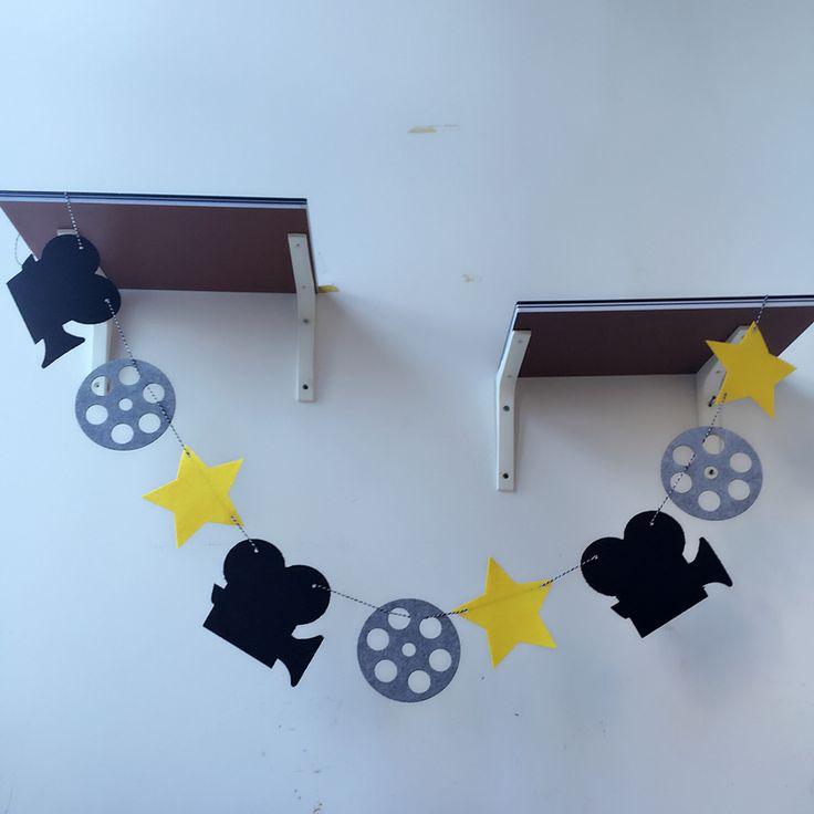Купить товарFreeshipping Кинозвезды Голливуда Камеры 3 М Чувствовал Баннер Флаг Рождения Свадьба Украшения Овсянка питания в категории  на AliExpress.    содержит:   9 Флаги (1 Флаг 15 см * 15 см)   6ft (1.9 м) в Длину