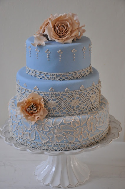 Lace Piping Cake Decorating : Wedgewood blue and cream wedding cake. I LOVE the lace ...