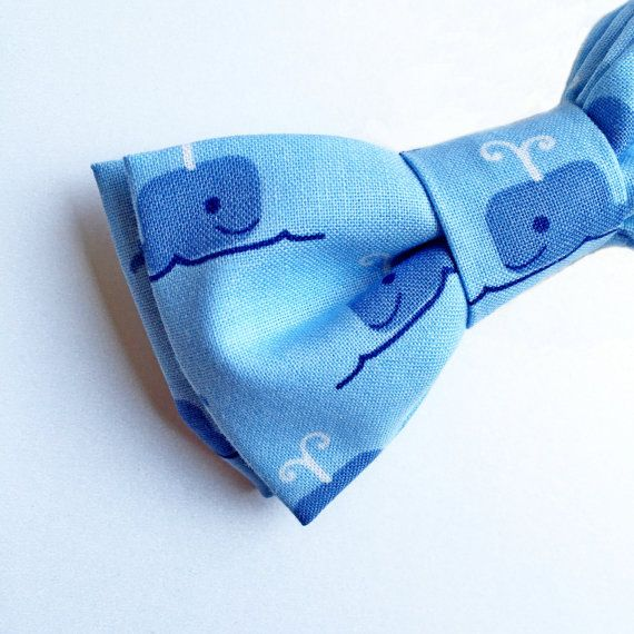 1st birthday outfit - Birthday Bow tie - Whale Bow tie by: flytiesforflyguys