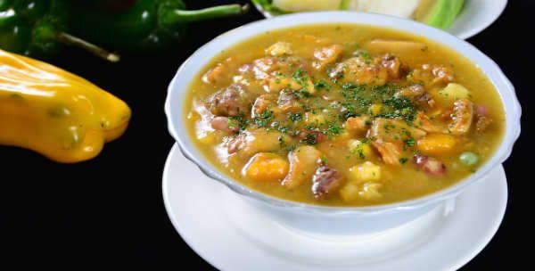 La Sopa de Mondongo es una de las sopas más típicas de la cocina colombiana, y se puede degustar en casi todas las ciudades del país.