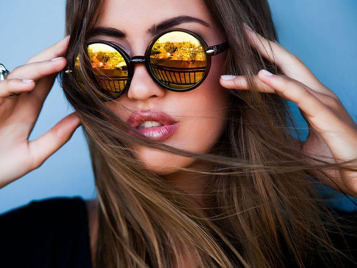Eine Riesen-Auswahl an Sonnenbrillen und kein Durchblick? Mit diesen Sonnenbrillen-Trends seid ihr im Sommer 2016 der Eye-Catcher.
