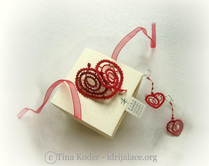 Izvirna darila za valentinovo z Idrijsko čipko